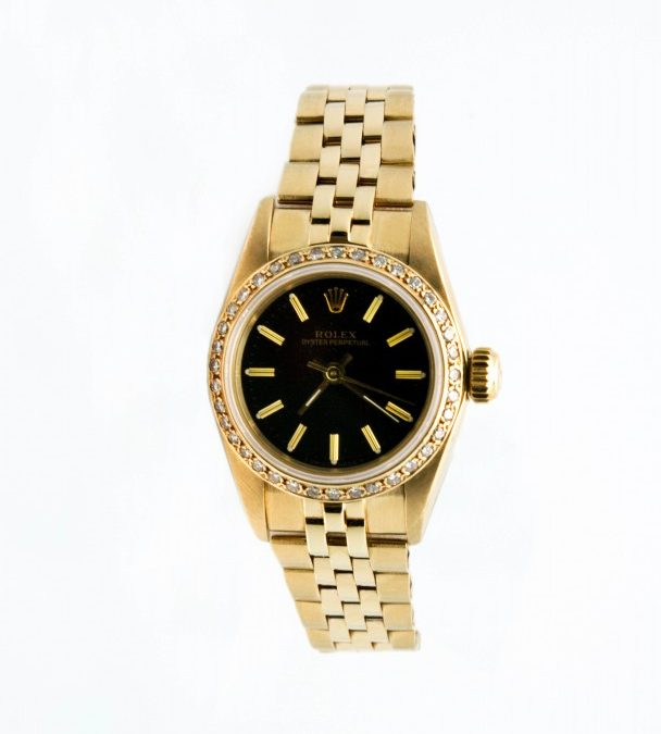 Women's 14K Yellow Gold Circa 1988 No Date .70 TW Diamond Bezel with black dial $4800 I-15813